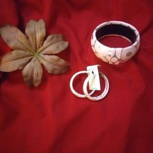 Pink and silver bangle and earrings